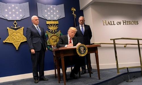 Trump lệnh các tướng hoàn thành kế hoạch hủy diệt IS trong 30 ngày 1