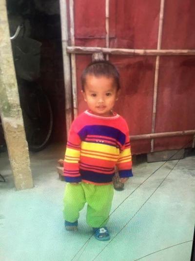 Bé 2 tuổi mất tích mùng 4 Tết khi đang chơi trước cửa nhà 1