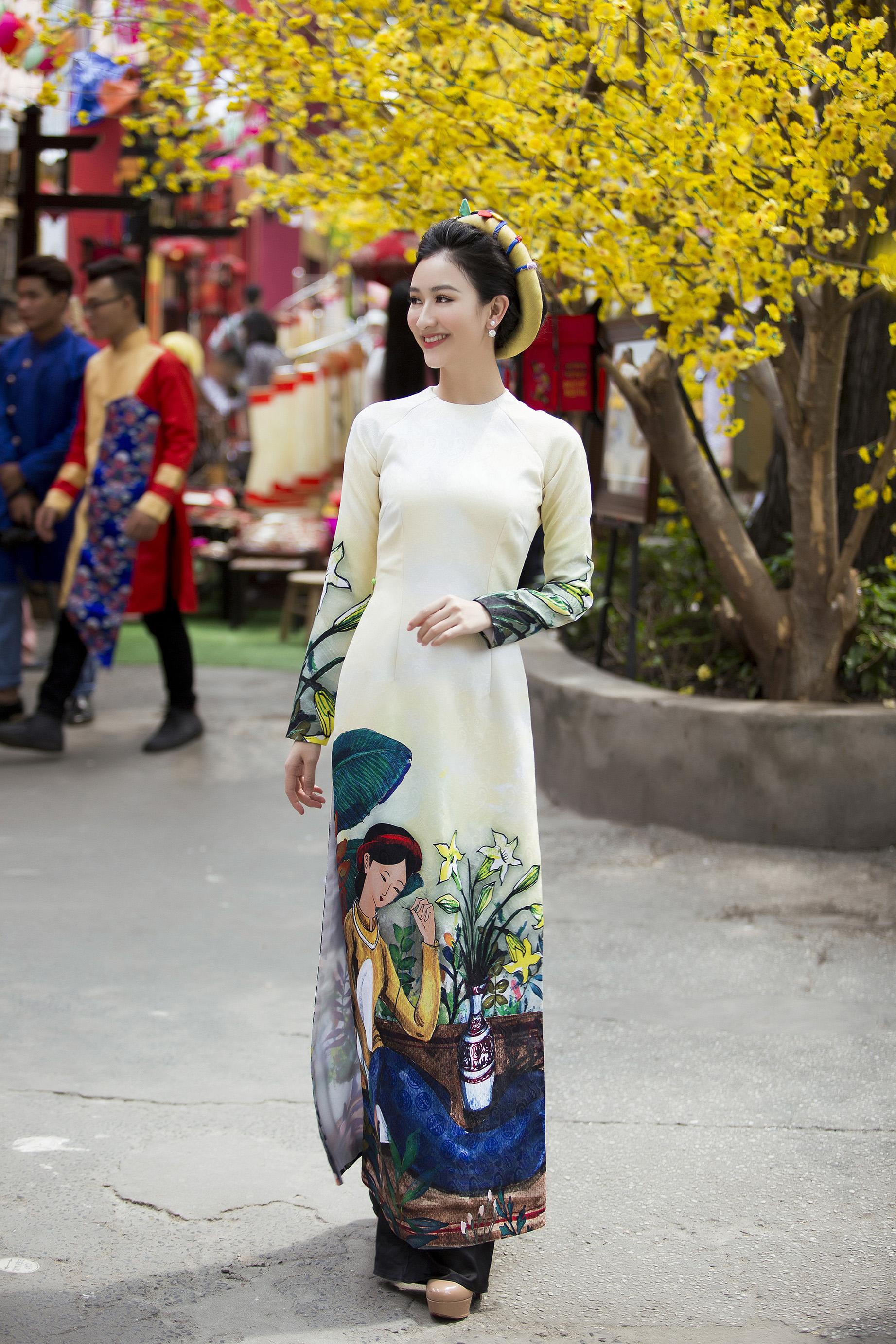 Á hậu Hà Thu mặc áo dài truyền thống đi xin chữ đầu năm 5