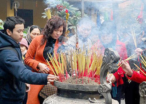 Xử lý nghiêm cán bộ Bộ Công Thương đi lễ chùa giờ hành chính 1