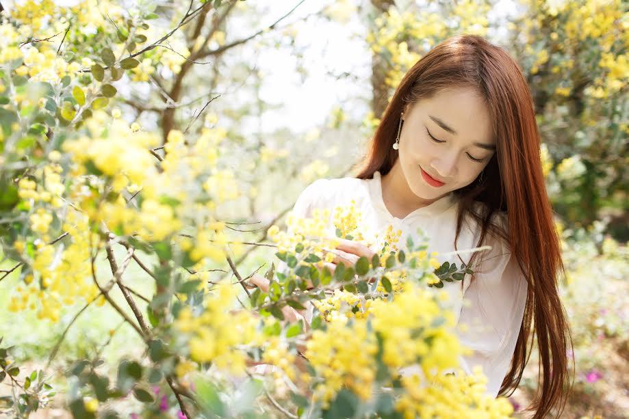 Giải trí - Nhã Phương đẹp dịu dàng trong mùa xuân Đà Lạt