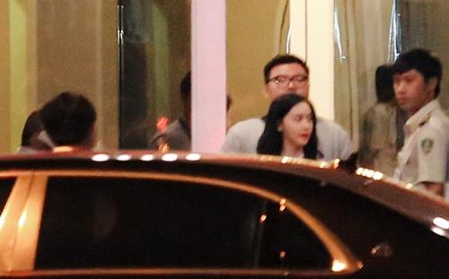 Yoona (SNSD) xuất hiện rạng rỡ tại sân bay Tân Sân Nhất 2