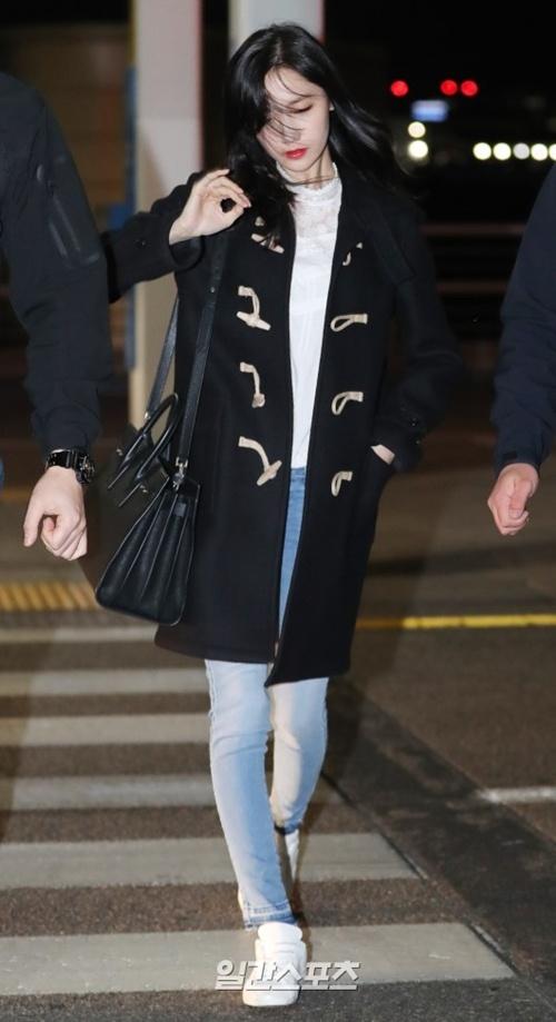 Yoona (SNSD) xuất hiện rạng rỡ tại sân bay Tân Sân Nhất 8