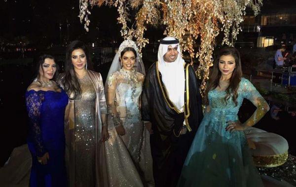 Sững sờ ngắm váy cưới đính 24.000 viên kim cương tỷ phú Dubai tặng vợ 7