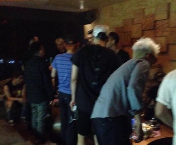 Hình ảnh Lộ ảnh được cho là BigBang vui đùa cùng các vũ nữ trong hộp đêm số 6