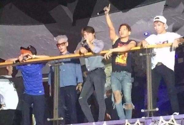 Hình ảnh Lộ ảnh được cho là BigBang vui đùa cùng các vũ nữ trong hộp đêm số 3