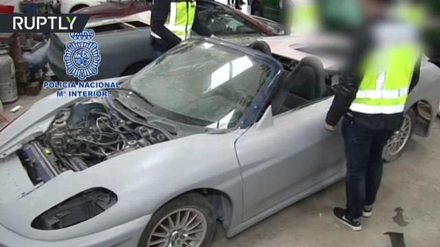 Hình ảnh Bắt 3 đối tượng sản xuất siêu xe Ferrari và Lamborghini