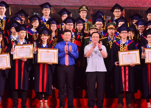 Giáo dục - Hà Nội: 25 thủ khoa xuất sắc được đặc cách vào công chức