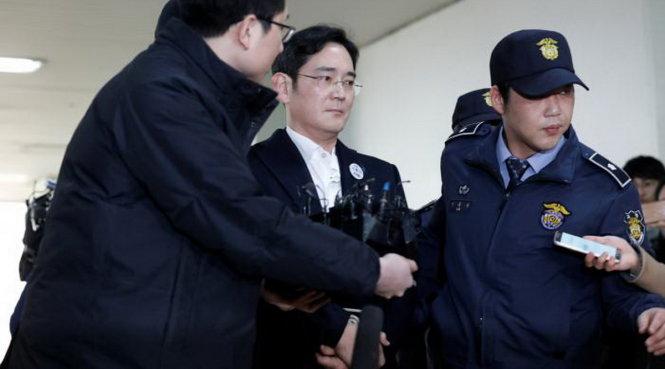 Hình ảnh Samsung sẽ sụp đổ hay vươn lên khi người thừa kế bị bắt ? số 1