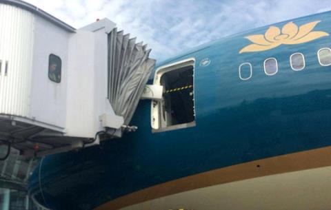 Sửa ống lồng tại sân bay Đà Nẵng, một nhân viên bị máy kẹp tử vong 1