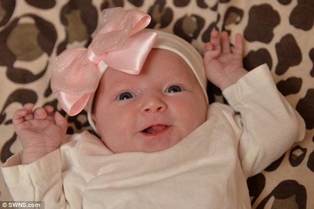 Ly kỳ câu chuyện bé sơ sinh mọc răng khi còn trong bụng mẹ 2