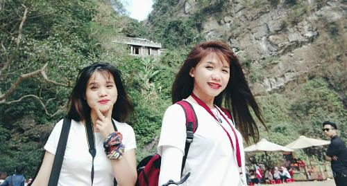 Hai cô gái phượt xe máy 40 tiếng Sài Gòn - Hà Nội gây tranh cãi dân mạng 1