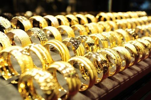 Hình ảnh Giá vàng hôm nay 24/2/2017 tăng vọt nhờ dòng tiền dồn dập đổ vào số 1