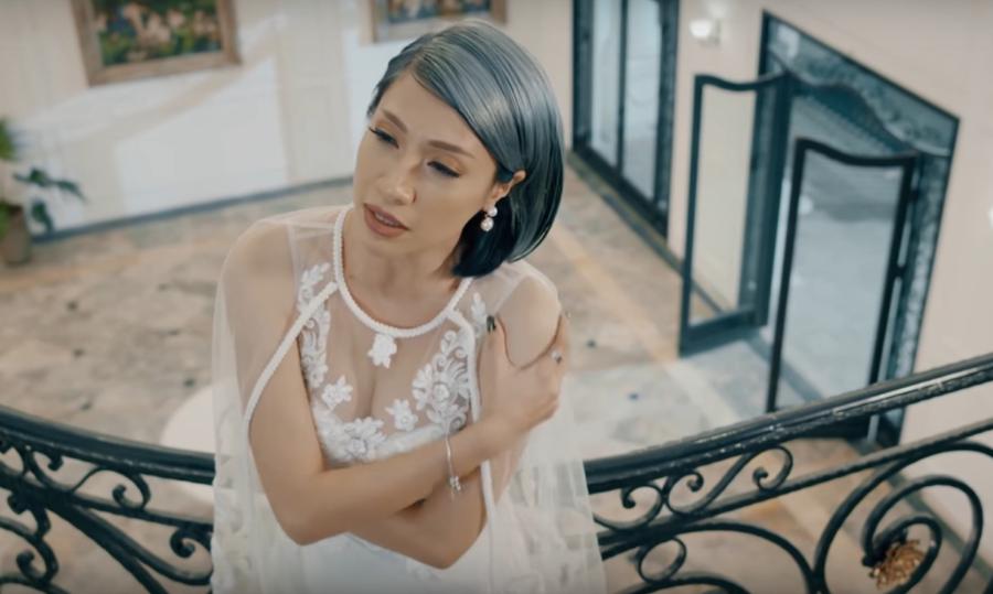 Đau khổ, dằn vặt nhưng Pha Lê vẫn quá gợi cảm trong MV mới 3