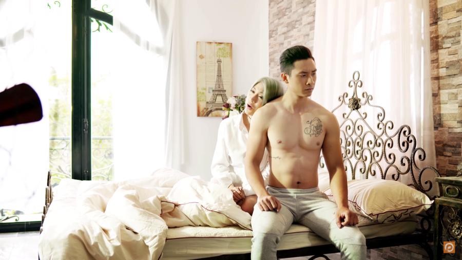 Đau khổ, dằn vặt nhưng Pha Lê vẫn quá gợi cảm trong MV mới 6