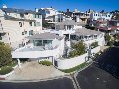 Nhà cũ của tỷ phú Warren Buffett tăng giá từ 3 tỷ lên hơn 200 tỷ 1