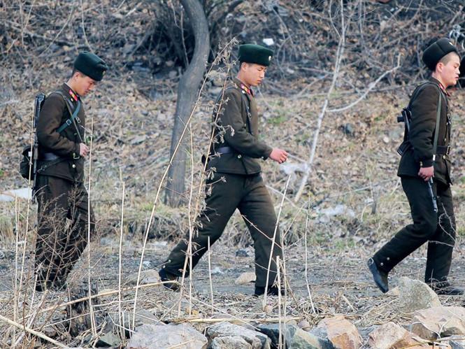 Trung Quốc báo động vì 6 lính Triều Tiên có vũ khí vượt biên sang 1