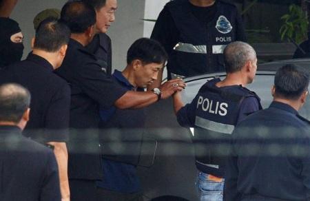 Nghi phạm Triều Tiên phải mặc áo chống đạn khi được Malaysia thả 1