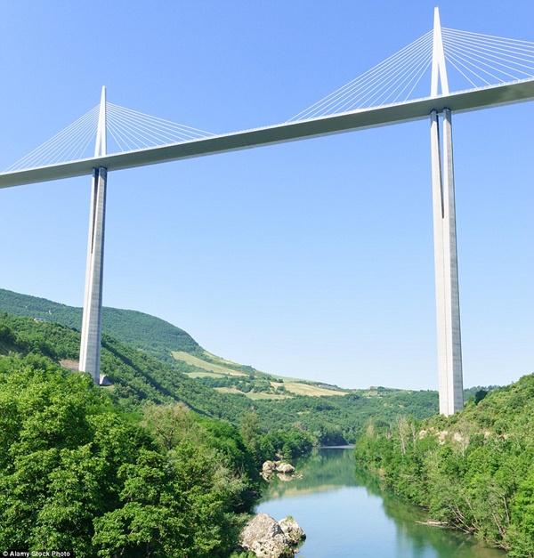 Hình ảnh Đứng tim với những cây cầu cheo leo nguy hiểm nhất thế giới số 5