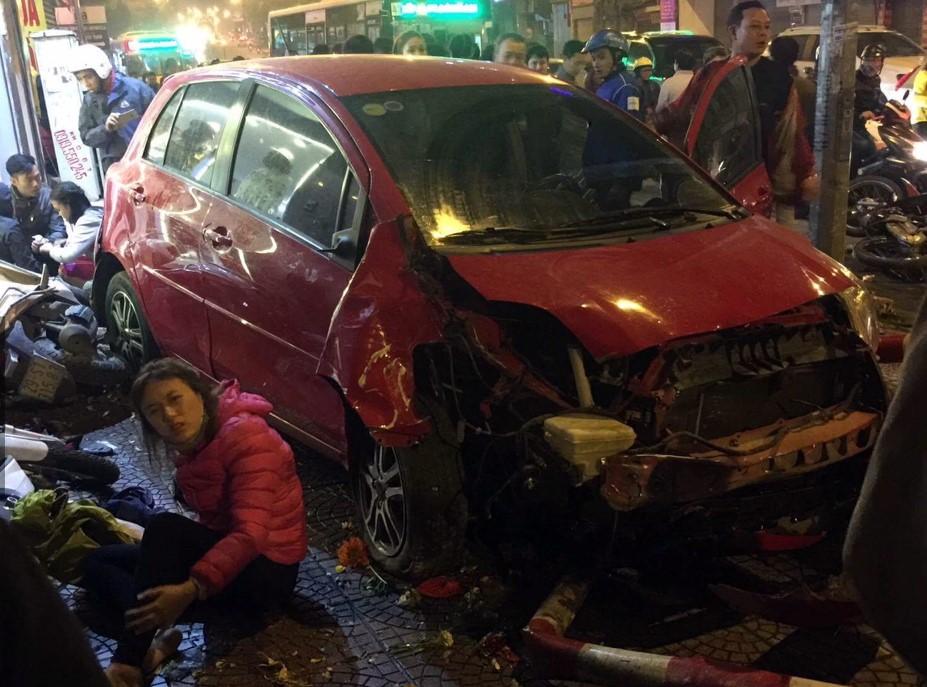 Vụ xe 'điên' gây tai nạn liên hoàn ở Long Biên: Tài xế ra trình diện 2