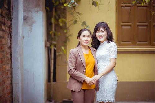 Hình ảnh Nữ thạc sĩ xinh đẹp, dạy giỏi, kinh doanh khéo khiến nhiều người nể phục số 1