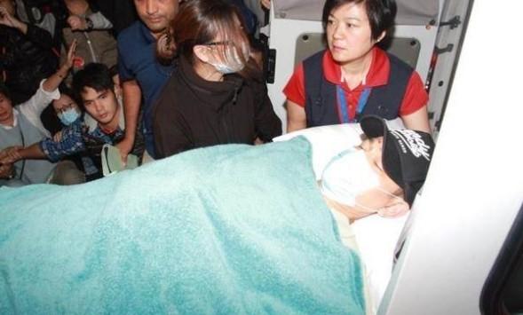 Lưu Đức Hoa xuất viện sau tai nạn ngã giẫm, vẫn chưa thể đi lại 2