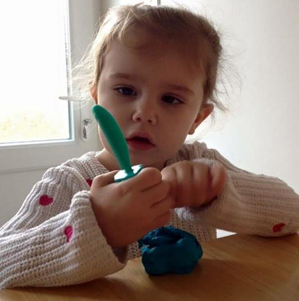 Hình ảnh Em bé mắc chứng bệnh lạ chán cơm, thèm đất, ăn mọi vật xung quanh số 6