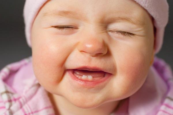 Kết quả hình ảnh cho trẻ em mọc răng