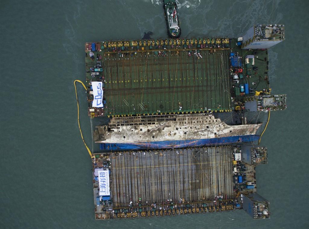 Cận cảnh phà Sewol sau 3 năm chìm sâu dưới biển 1