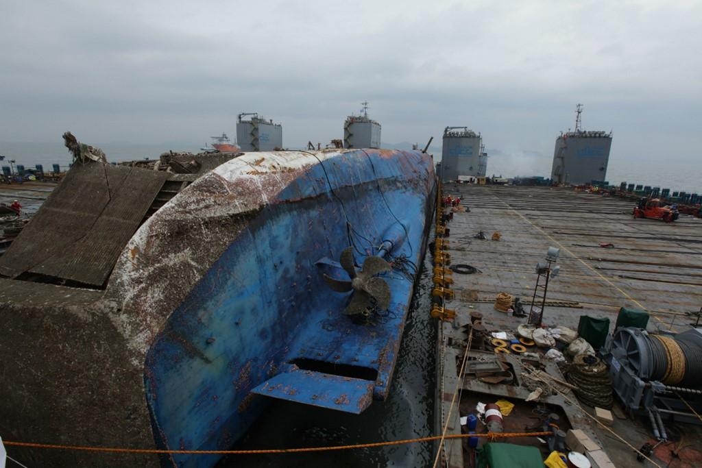 Cận cảnh phà Sewol sau 3 năm chìm sâu dưới biển 2