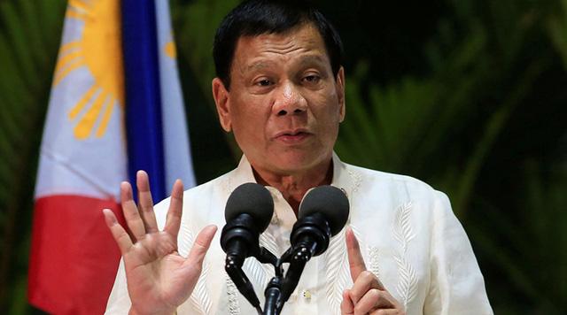 Duterte đòi Mỹ giải thích lý do không ngăn Trung Quốc xây đảo ở Biển Đông 1