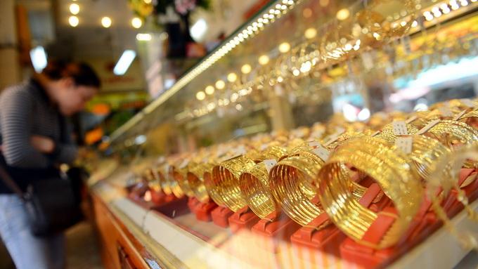 Hình ảnh Giá vàng trong nước lao dốc theo đà giảm giá của thế giới số 1