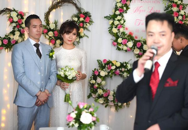 Hot girl Tú Linh hôn chú rể trong đám cưới 3