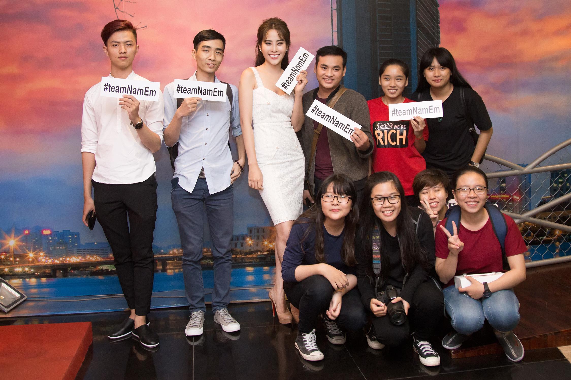 Nam Em họp fanclub tại rạp chiếu phim, tích cực quảng bá cho