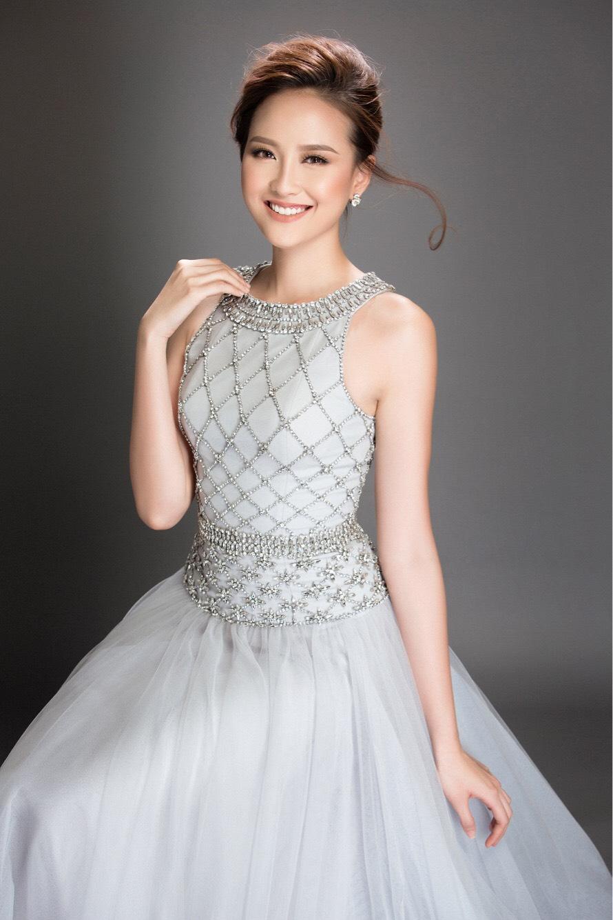 Hoa khôi Khánh Ngân đẹp ngây ngất với váy áo công chúa 1