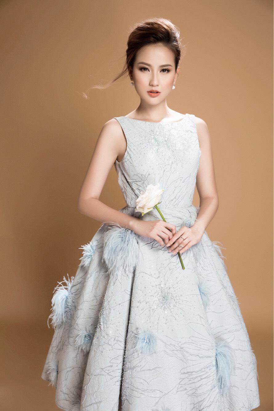 Hoa khôi Khánh Ngân đẹp ngây ngất với váy áo công chúa 5