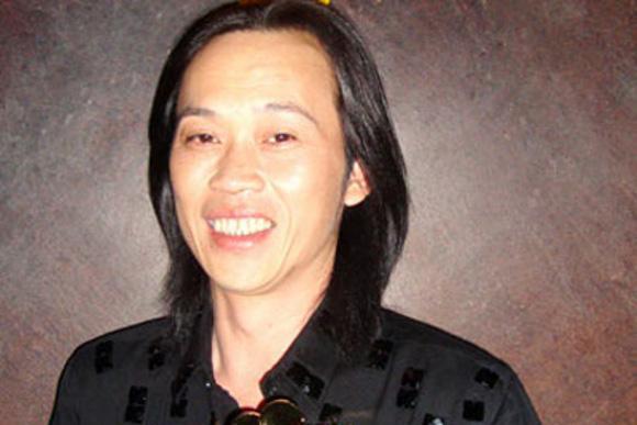 Danh hài Hoài Linh và bí ẩn về người vợ như Hoa hậu 1