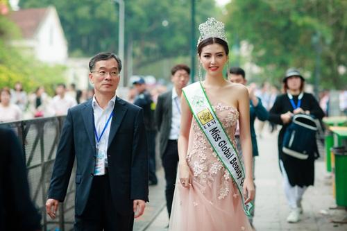 Ngắm nhan sắc của người đẹp Việt đầu tiên làm đại sứ quảng bá Thế vận hội 1