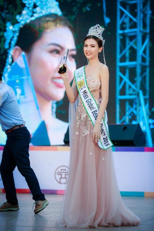 Ngắm nhan sắc của người đẹp Việt đầu tiên làm đại sứ quảng bá Thế vận hội 6