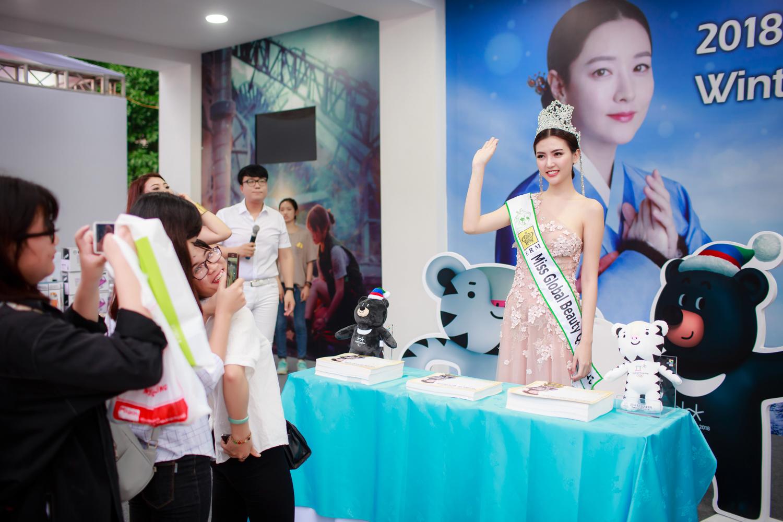 Ngắm nhan sắc của người đẹp Việt đầu tiên làm đại sứ quảng bá Thế vận hội 9