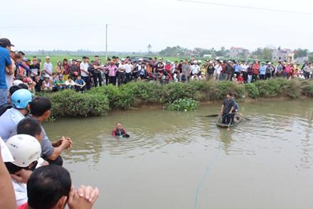 Bị truy sát, nam thanh niên nhảy xuống sông chết đuối 1