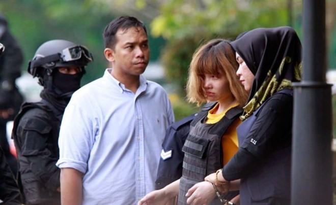 Đại sứ quán Việt Nam đưa bố Đoàn Thị Hương vào thăm con 1