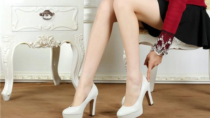 Hình ảnh Bí quyết đi giày cao gót cả ngày mà không hại đến sức khỏe số 3