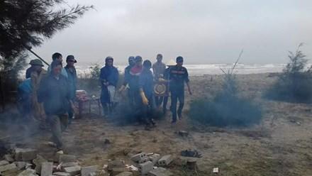 Phát hiện thi thể không đầu trôi dạt vào bờ biển Thanh Hóa 1