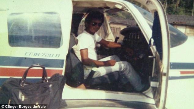 Phi công may mắn nhất thế giới khi thoát chết sau 11 vụ tai nạn máy bay 1