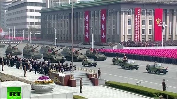 Triều Tiên duyệt binh rầm rộ, tuyên bố sẵn sàng huy động tổng lực đáp trả Mỹ 5
