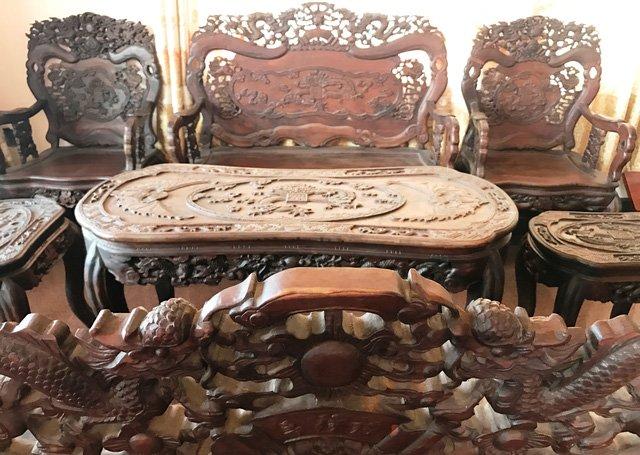 Hình ảnh 2 bộ bàn ghế tứ linh giá gần 10 tỷ đồng vẫn không bán số 1