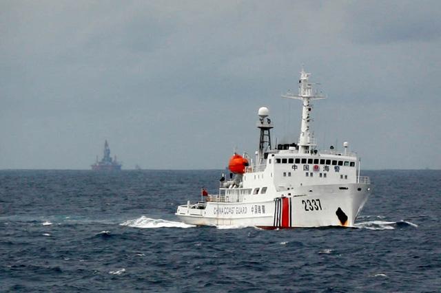 Hình ảnh Biển Đông: Ngư dân Philippines tố bị cảnh sát biển Trung Quốc nổ súng số 1