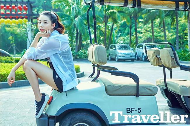 Vợ Bae Yong Joon khoe dáng trên biển Đà Nẵng 5