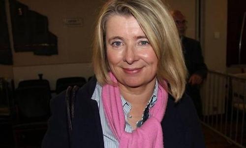 Pháp: Nữ nghị sỹ đột tử khi vận động cho ứng viên Tổng thống 1